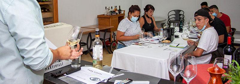 La Escuela de Hostelería de FORMAEMPLEAN se va de cata de vinos